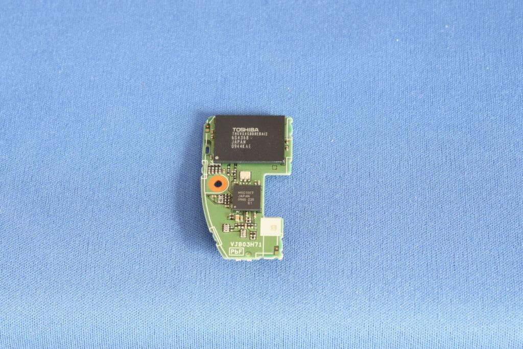 内蔵メモリ 32GB